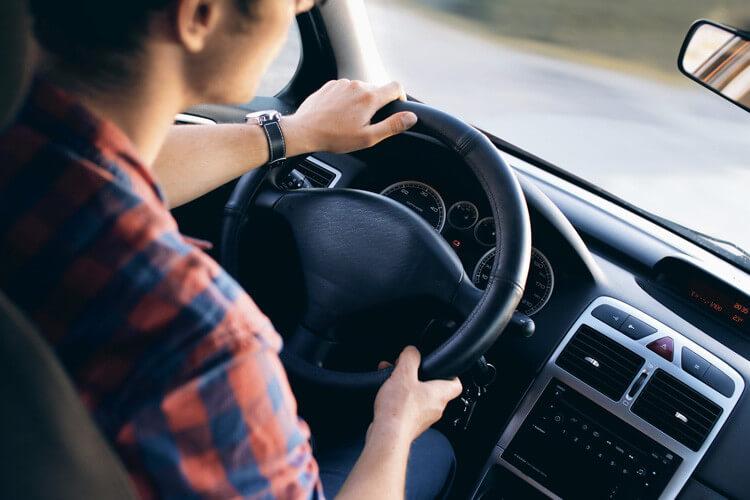 Au tiers, tous risques, vol & incendie : quelle couverture choisir pour ma voiture ? - Heyme
