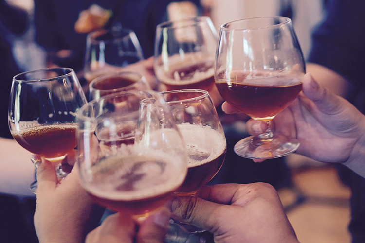 L'alcool et la fête chez les jeunes - Heyme