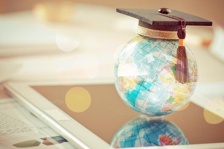 J'étudie à l'étranger : dois-je changer mon numéro de Sécurité Sociale Français ? - Heyme
