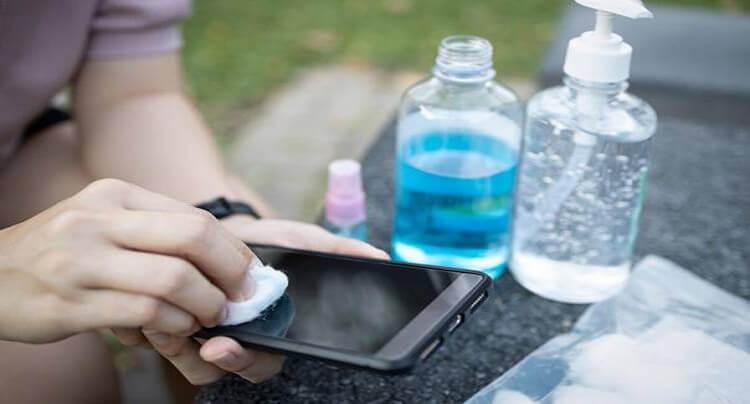 Le smartphone est-il vecteur de bactéries ? - Heyme