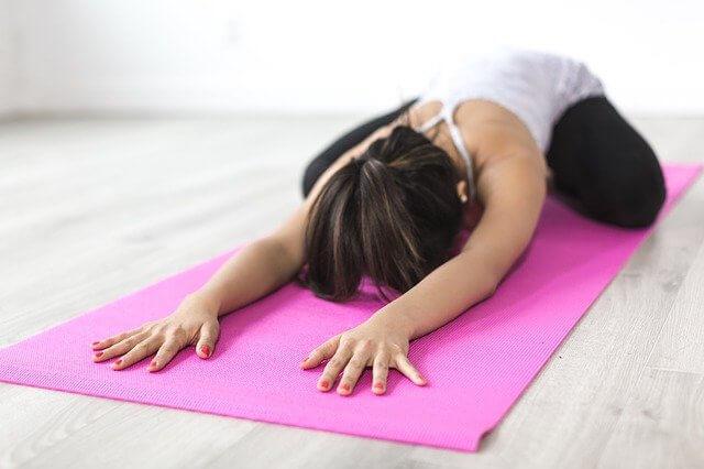 Yoga : débarrasse-toi du stress ! - Heyme